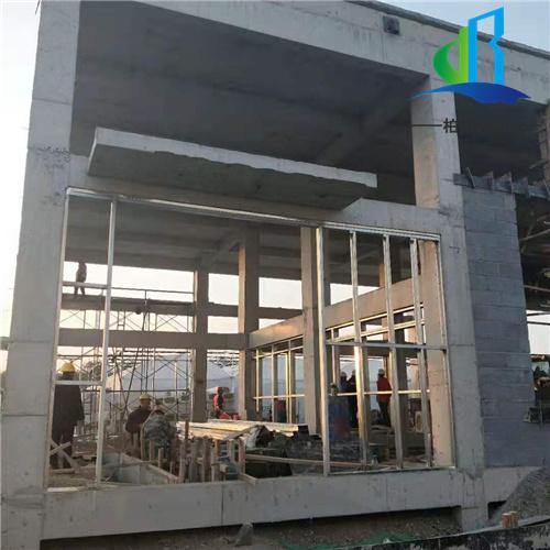 单层压型钢板复合保温墙